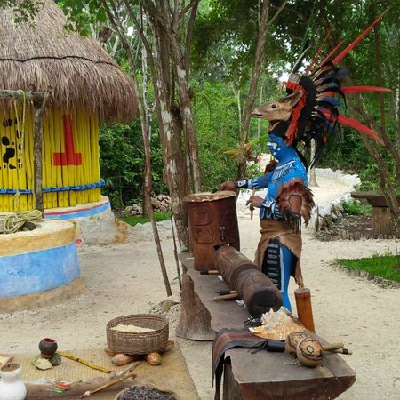 Cozumel Choice: Mayan performance