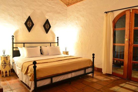 Moroccan Decor & Furniture (85417680)