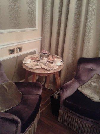 Baglioni Hotel Carlton : завтрак в номере