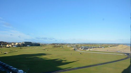 Macdonald Rusacks Hotel : View from our room of the Old Course and beyond