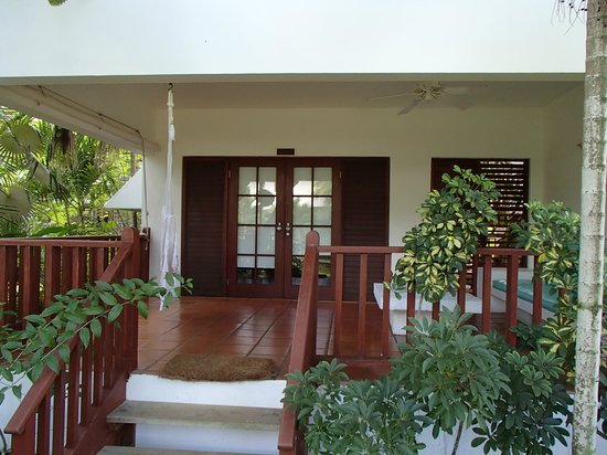Couples Swept Away: Atrium suite verandah