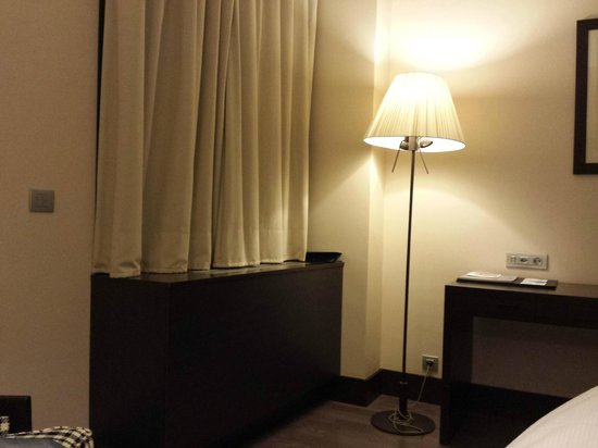 NH Geneva Airport: Simple room