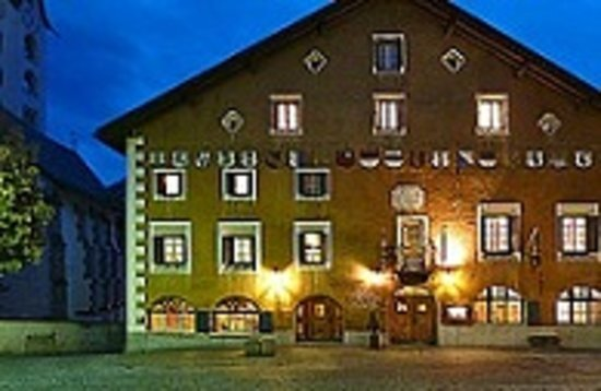 Hotel Crusch Alva: Fassade
