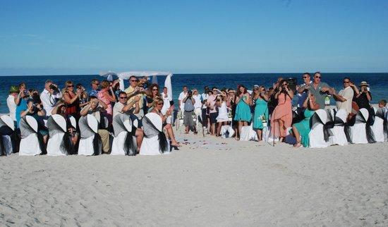 Blau Marina Varadero Resort: Beach Chairs decor (by Aire De Fiesta)