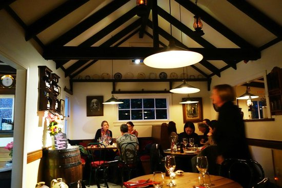 Redcliff Restaurant & Bar : Cosy