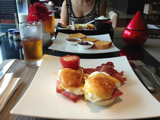 InterContinental Hanoi Westlake : Egg benedict