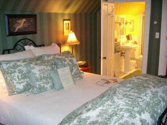 Peace With-Inn: Room