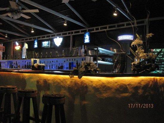 Azzure By Spree Hotels : bar