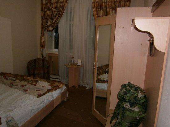 Grand Orzu Hotel: Enkelrum med bred säng !