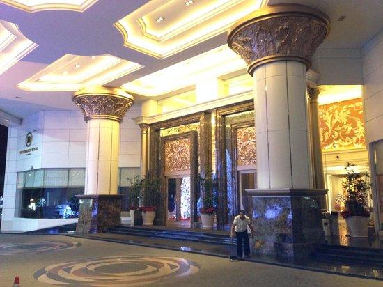เดอะ เบอร์เคลีย์ โฮเต็ล ประตูน้ำ: Hotel Lobby