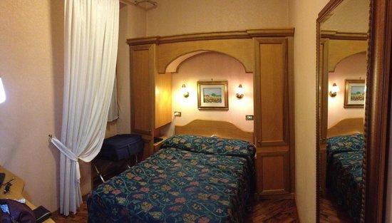 Hotel Concordia : Chambre