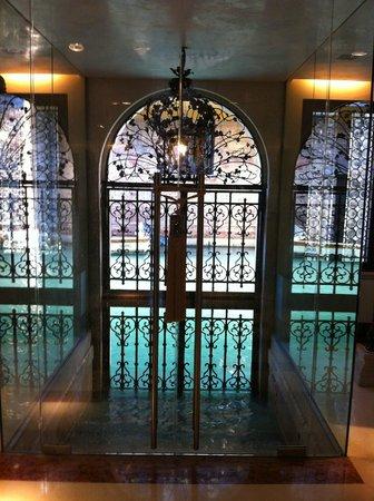 Ca' Nigra Lagoon Resort: L'approdo nell'atrio della hall
