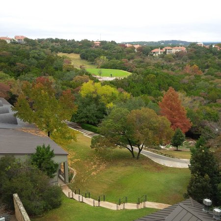 Omni Barton Creek Resort & Spa : view from room looking left