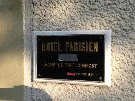 """Hotel Le Parisien: Chambres Tout Confort - mit überklebten """"Sternen"""""""