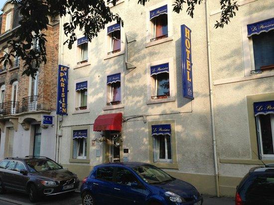 Hotel Le Parisien: Hotelfront
