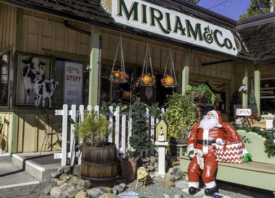 Mariposa, CA: Miriam & Co