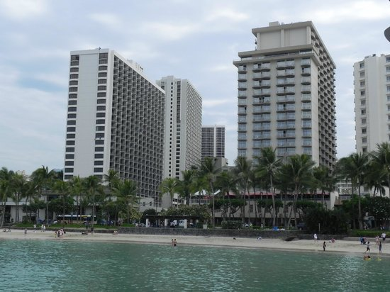 Aston Waikiki Beach Hotel: View of hotel from jetty