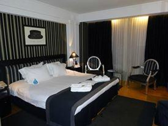 NJV Athens Plaza: bedroom