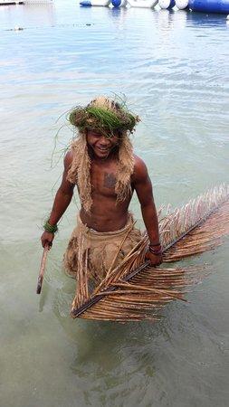 Robinson Crusoe Island : Welcoming Bula from this guy!