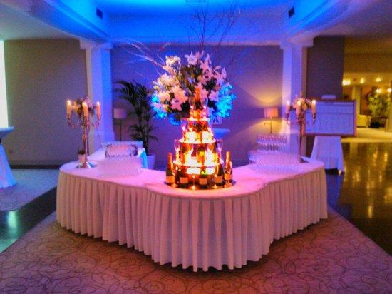 Newpark Hotel: Champagne reception