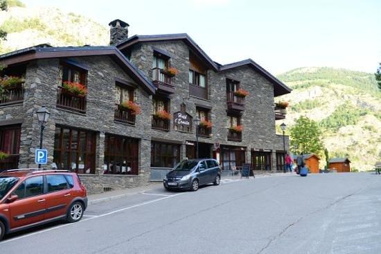 Hotel L'Ermita: outside view