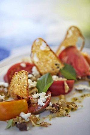 Cast Restaurant: Tomato Salad