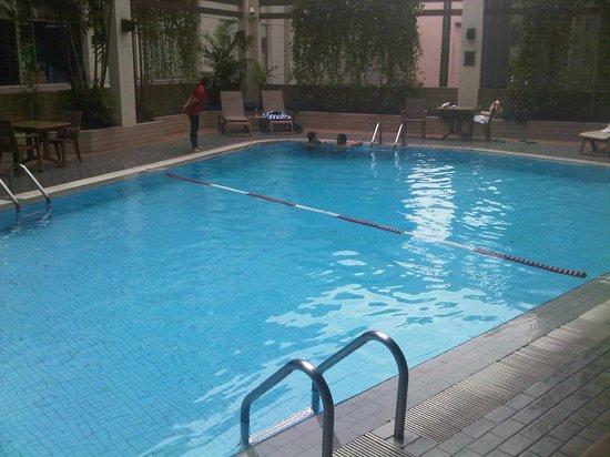 Melia Kuala Lumpur: Pool
