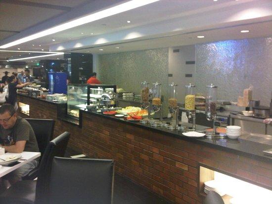 Melia Kuala Lumpur: Breakfast room