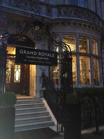 Grand Royale London Hyde Park: Entrance