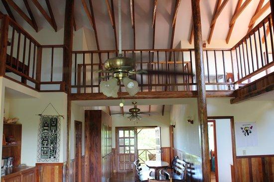 Maya Lodge: living area