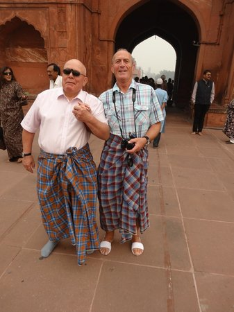 Jama Masjid Mosque: Should have worn trousers