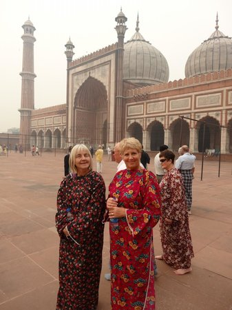 Jama Masjid Mosque: Unflattering cover alls