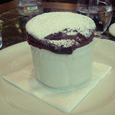 Soufflet au chocolat picture of les fenetres beirut for Fenetre a soufflet