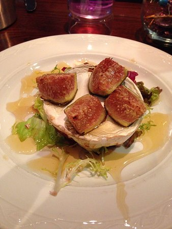 Hyltons: Goats cheese with figs and honey