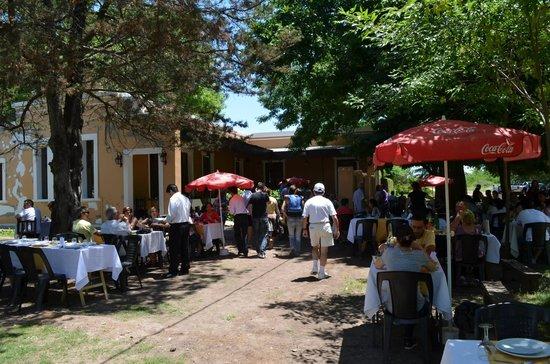 Tomas Jofre, Argentina: galeria del restaurante