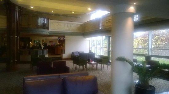 Hilton London Croydon: Lounge Area