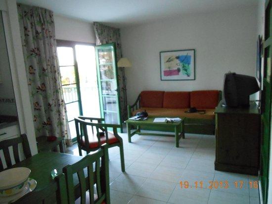 Caybeach Sun: main sitting room