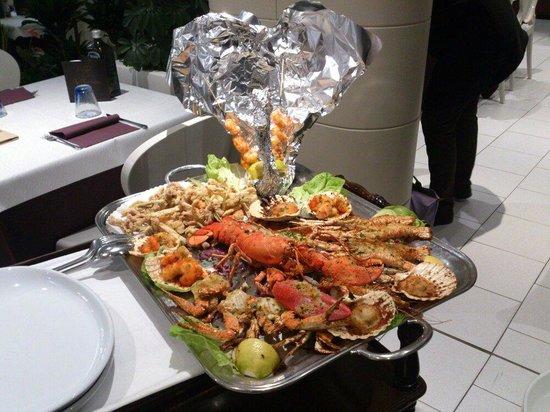 Gran plato\' pesce gratinato con fritto!! - Picture of Le Terrazze ...