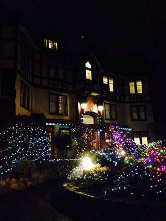 Abigail's Hotel: Dec 1, so pretty