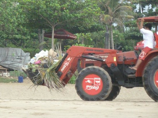 Legian Beach Hotel : Legian Beach Müll