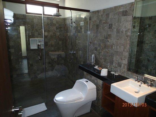 Rama Candidasa Resort & Spa: our bathroom