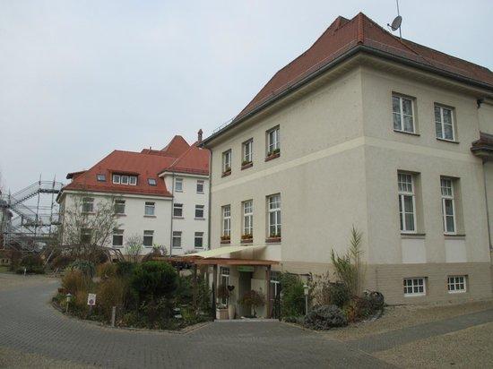 Hotel PrimaVera Parco: main building