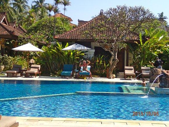 Rama Candidasa Resort & Spa: poolside