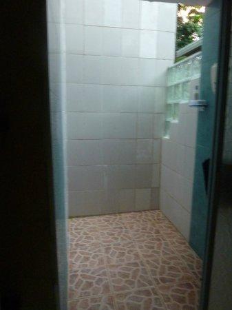 Hotel Mandarina: douche chaude exterieur