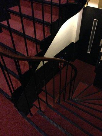 Hotel Boissiere: escalier