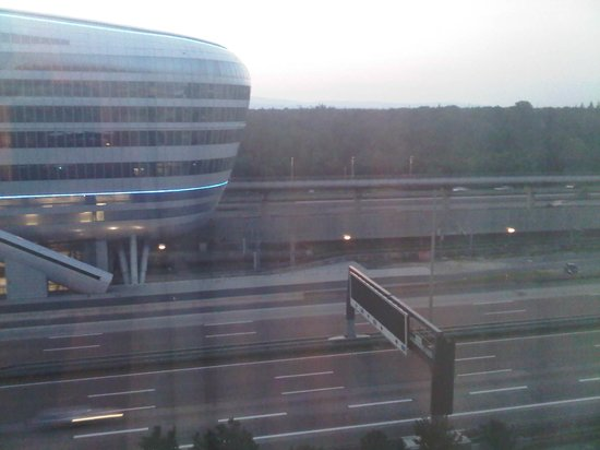 Sheraton Frankfurt Airport Hotel & Conference Center: View from the window