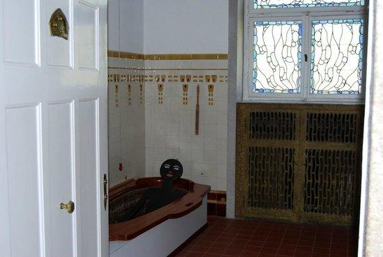 Baño De Tina Natural:con tina para baños de barro o aguas termales: fotografía de