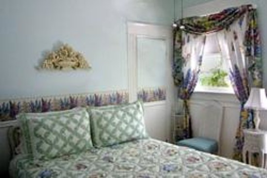 Southern Wind Inn: Coquina Room