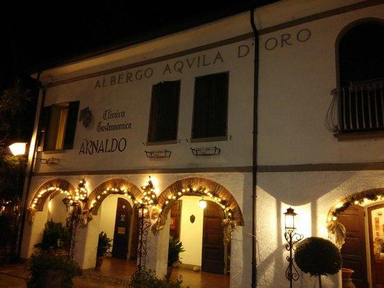 Hotel Arnaldo Aquila d'Oro: Facciata dell'hotel
