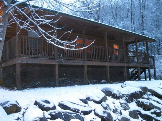 Cobbly Nob Rentals : Back Porch of Sundown Cabin